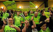 HÅNDBOLD: Nordsjælland-fans før kampen i Herre Håndbold Ligaen mellem TMS Ringsted og Nordsjælland Håndbold den 25. februar 2019 i Ringsted Sportscenter. Foto: Claus Birch.
