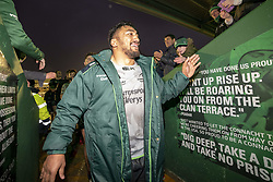 December 8, 2018 - Galway, Ireland - Bundee Aki of Connacht thanks his fans during the European Rugby Challenge Cup match between Connacht Rugby and Perpignan at the Sportsground in Galway, Ireland on December 8, 2018  (Credit Image: © Andrew Surma/NurPhoto via ZUMA Press)