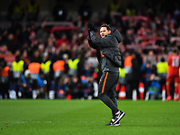 Football - 2019 / 2020 UEFA Champions League - Round of Sixteen, First Leg: Chelsea vs. Bayern Munich<br /> <br /> Chelsea Manager Frank Lampard applauds the fans after their 3-0 defeat, at Stamford Bridge.<br /> <br /> COLORSPORT/ASHLEY WESTERN