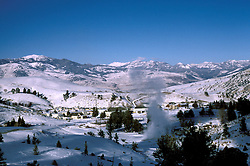 WY: Wyoming; Yellowstone National Park, Mammoth Hot Springs       .Photo Copyright Lee Foster, lee@fostertravel.com, www.fostertravel.com, (510) 549-2202.Image: wyyell225