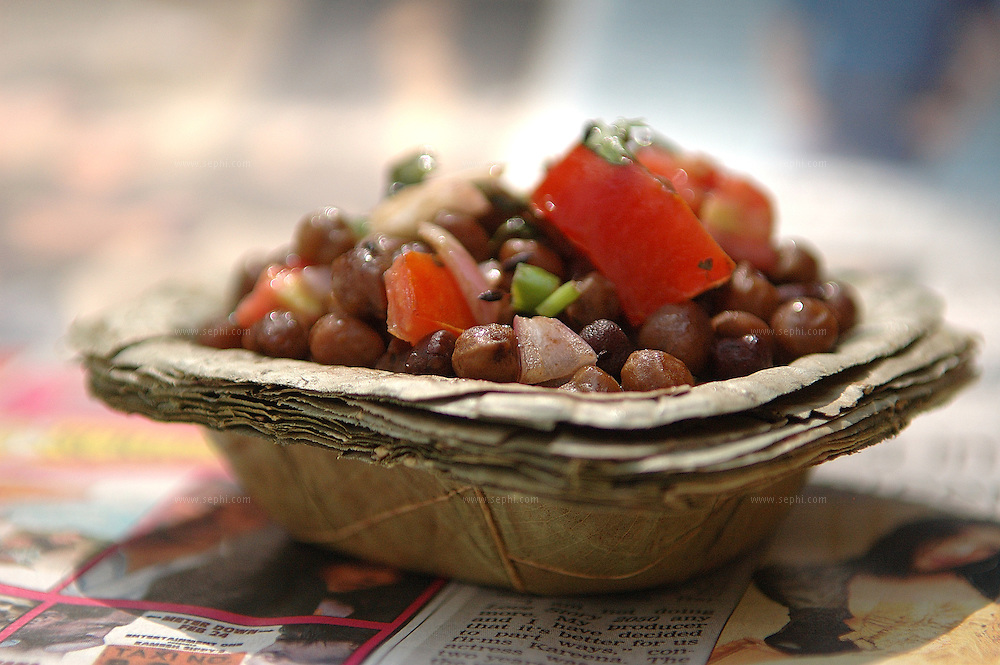 Gunguni chhole ki - Chickpeas snack (Recipe available upon request)