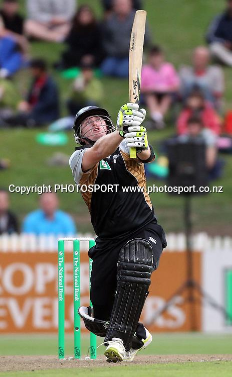 New Zealand batsman Scott Styris in action batting. New Zealand Black Caps v Pakistan, Match 2. Twenty 20 Cricket match at Seddon Park, Hamilton, New Zealand. Tuesday 28 December 2010. Photo: Andrew Cornaga/photosport.co.nz