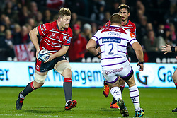 Tom Savage of Gloucester Rugby takes on Tom Youngs of Leicester Tigers - Mandatory by-line: Robbie Stephenson/JMP - 16/11/2018 - RUGBY - Kingsholm - Gloucester, England - Gloucester Rugby v Leicester Tigers - Gallagher Premiership Rugby