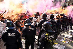September 29, 2018 - Barcelona, Catalonia, Spain - Catalan riot police seen clashing with the pro-independence protesters during the protest..Clashes between pro-independence protesters and Catalan riot police during the protest of the JUSAPOL Police Syndicate that was in Barcelona demonstrating for wage equality and tribute to the National Police that prevented the referendum of 1 October. (Credit Image: © Ramon Costa/SOPA Images via ZUMA Wire)