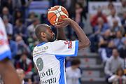 DESCRIZIONE : Beko Legabasket Serie A 2015- 2016 Dinamo Banco di Sardegna Sassari - Enel Brindisi<br /> GIOCATORE : Christian Eyenga<br /> CATEGORIA : Tiro Riscaldamento Before Pregame<br /> SQUADRA : Dinamo Banco di Sardegna Sassari<br /> EVENTO : Beko Legabasket Serie A 2015-2016<br /> GARA : Dinamo Banco di Sardegna Sassari - Enel Brindisi<br /> DATA : 18/10/2015<br /> SPORT : Pallacanestro <br /> AUTORE : Agenzia Ciamillo-Castoria/L.Canu