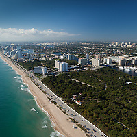 Aerial view of Birch State Park, Fort Lauderdale beach.