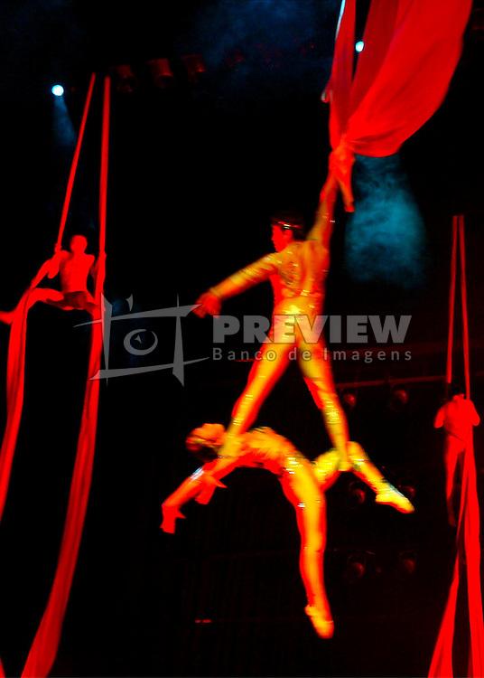 Show com 48 integrantes entre bailarinos, acrobatas, equilibristas e contorcionistas divididos em 17 espetáculos compõe a apresentação do Circo Imperial da China. FOTO: Jefferson Bernardes/Preview.com