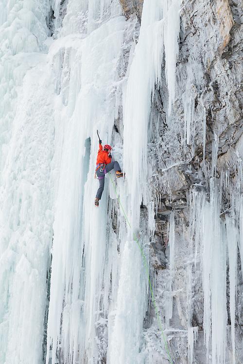 Michelle Kadatz - Mixed Climbing - One for the Ditch - M7 - Pilsner Pillar - Field, BC