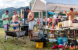 08.07.2017, Red Bull Ring, Spielberg, AUT, FIA, Formel 1, Grosser Preis von Österreich, Qualifying, im Bild Campingplatz, Fans beim grillen // Campsite fans have a barbecue After the Qualifying of the Austrian FIA Formula One Grand Prix at the Red Bull Ring in Spielberg, Austria on 2017/07/08. EXPA Pictures © 2017, PhotoCredit: EXPA/ JFK