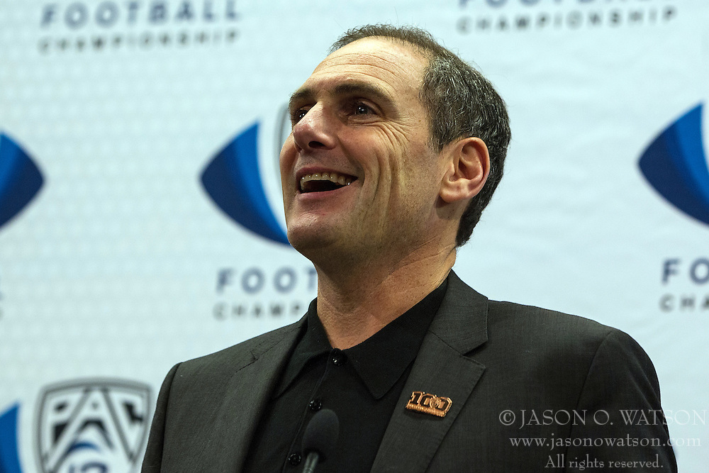SANTA CLARA, CA - DECEMBER 05:  Pac-12 Commissioner Larry Scott speaks during a press conference before the Pac-12 Championship game between the Stanford Cardinal and the USC Trojans at Levi's Stadium on December 5, 2015 in Santa Clara, California. The Stanford Cardinal defeated the USC Trojans 41-22. (Photo by Jason O. Watson/Getty Images) *** Local Caption *** Larry Scott