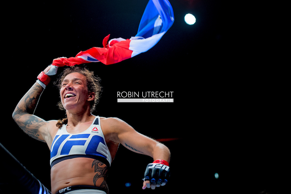 8-5-2016 ROTTERDAM - Mixed Martial Arts - UFC Fight Night - Germaine de Randamie v Anna Elmose - 8/5/16 - Germaine de Randamie celebrates after winning her fight. in ahoy rotterdamCOPYRIGHT ROBIN UTRECHT