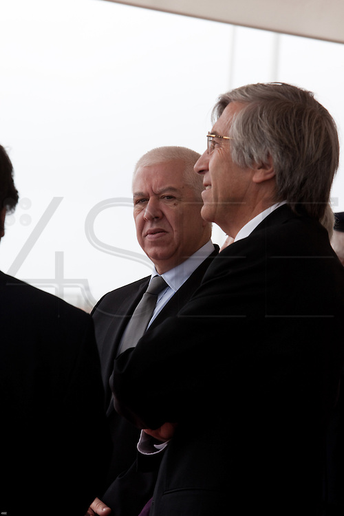 Teixeira Santos, Portuguese Minister of Finance waits for the arrival of the Pope to the airport. Pope Benedict XVI leaves after a four-day visit to Portugal, one of the countries with the highest percentage of Catholics in Europe, Sa Carneiro Airport, Oporto, Portugal.