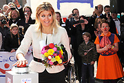 Prinses Maxima opent Cliniclowns College in Amersfoort, hier kunnen zieke en gehandicapte kinderen een speciaal voor hen gemaakte voorstelling meemaken.<br />