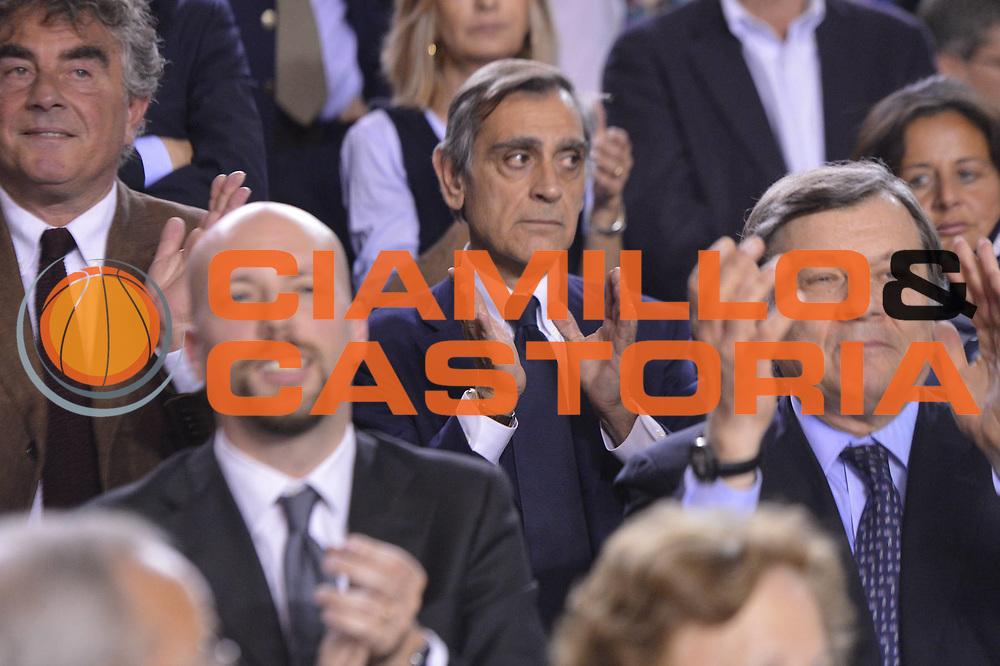 DESCRIZIONE : Roma Lega A 2012-2013 Acea Roma Lenovo Cantu playoff semifinale gara 7<br /> GIOCATORE : Claudio Toti<br /> CATEGORIA : Tifosi<br /> SQUADRA : Acea Roma<br /> EVENTO : Campionato Lega A 2012-2013 playoff semifinale gara 7<br /> GARA : Acea Roma Lenovo Cantu<br /> DATA : 06/06/2013<br /> SPORT : Pallacanestro <br /> AUTORE : Agenzia Ciamillo-Castoria/GiulioCiamillo<br /> Galleria : Lega Basket A 2012-2013  <br /> Fotonotizia : Roma Lega A 2012-2013 Acea Roma Lenovo Cantu playoff semifinale gara 7<br /> Predefinita :