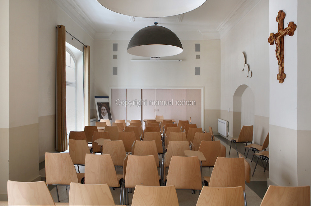 Renovated Salle des Pelerins (Pilgrims Room), first floor, 2012 by Jacques Metailie, Basilique Notre-Dame-des-Victoires (Basilica Notre-Dame-des-Victoires), founded in 1629 by King Louis XIII and finalized in 1737 by Sylvain Cartaud, 2nd arrondissement, Paris, France. Picture by Manuel Cohen