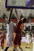 DESCRIZIONE : Roma Lega Basket A 2011-12  Acea Virtus Roma Banca Tercas Teramo<br /> GIOCATORE : Brown Brandon<br /> CATEGORIA : tiro schiacciata<br /> SQUADRA : Banca Tercas Teramo<br /> EVENTO : Campionato Lega A 2011-2012 <br /> GARA : Acea Virtus Roma Banca Tercas Teramo<br /> DATA : 16/04/2012<br /> SPORT : Pallacanestro  <br /> AUTORE : Agenzia Ciamillo-Castoria/ GiulioCiamillo<br /> Galleria : Lega Basket A 2011-2012  <br /> Fotonotizia : Roma Lega Basket A 2011-12 Acea Virtus Roma Banca Tercas Teramo<br /> Predefinita :