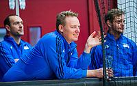 AMSTERDAM  - scheidsrechter Coen van Bunge tijdens het starttoernooi zaalhockey in Sporthallen Zuid.    COPYRIGHT KOEN SUYK