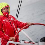 © María Muiña I MAPFRE: Pablo arrarte a bordo del MAPFRE durante un entrenamiento costero. Pablo Arrarte on board MAPFRE during an inshore training.
