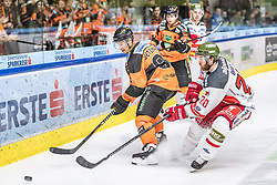 10.03.2019, Merkur Eisstadion, Graz, AUT, EBEL, Moser Medical Graz 99ers vs HCB Suedtirol Alperia, Platzierungsrunde, 54. Runde, im Bild v.l.: Oliver Setzinger (Moser Medical Graz 99ers), Riley Brace (HCB Südtirol Alperia) // during the Erste Bank Eishockey League 54th round match between Moser Medical Graz 99ers and HCB Suedtirol Alperia at the Merkur Eisstadion in Graz, Austria on 2019/03/10. EXPA Pictures © 2019, PhotoCredit: EXPA/ Dominik Angerer