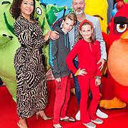 NLD/Amsterdam/20190814 - Premiere Angry Birds 2, Eddy Zoey met zijn kinderen Fender en Teuntje en vriendin Sarah Juray
