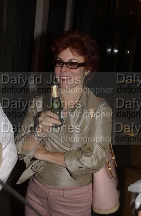 Ruby Wax. The People are Friendly production and Royal Court Summer party. Party after at John Lewis. 17 June 2002. © Copyright Photograph by Dafydd Jones 66 Stockwell Park Rd. London SW9 0DA Tel 020 7733 0108 www.dafjones.com