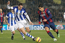 04.01.2015, Anoeta Stadium, San Sebastian, ESP, Primera Division, Real Sociedad vs FC Barcelona, 17. Runde, im Bild Real Sociedad's Jon Ansotegui (l) and FC Barcelona's Luis Suarez // during the Spanish Primera Division 17th round match between Real Sociedad and Barcelona FC at the Anoeta Stadium in San Sebastian, Spain on 2015/01/04. EXPA Pictures © 2015, PhotoCredit: EXPA/ Alterphotos/ Acero<br /> <br /> *****ATTENTION - OUT of ESP, SUI*****