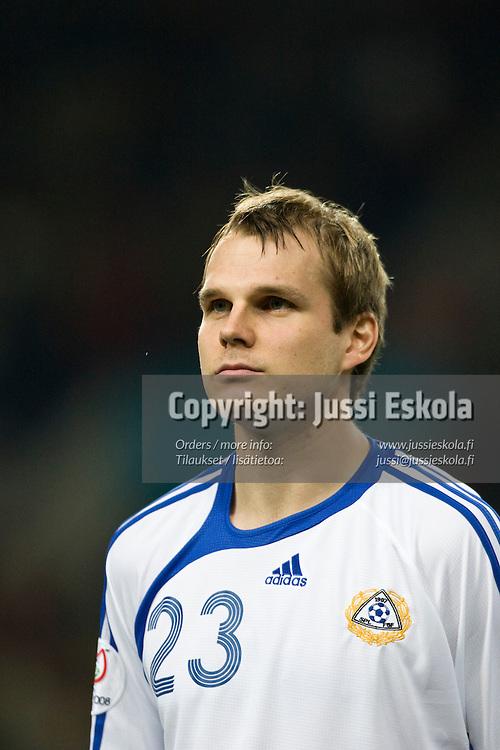 Markus Heikkinen. Portugali-Suomi, EM-karsinta, Porto. 21.11.2007. Photo: Jussi Eskola