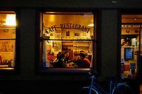 """Bar - restaurant """"Le temps des cerises"""", rue la cerisaie in Paris.<br /> © Lionel DERIMAIS/2004"""
