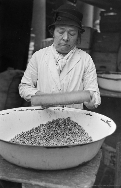 Pea Shelling at Covent Gardens, London, 1934