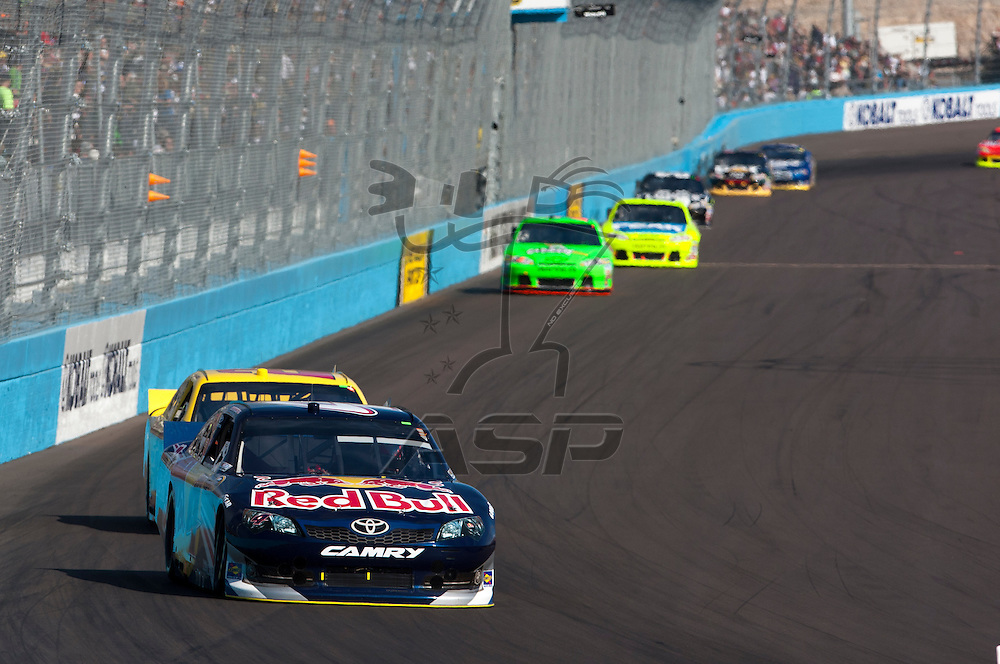 Avondale, AZ - NOV 13, 2011:  Kasey Kahne (4) races for the Kobalt Tools 500 race at the Phoenix International Raceway in Avondale, AZ.