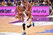 DESCRIZIONE : Milano Lega A 2014-15 <br /> EA7 Olimpia Milano - Acea Virtus Roma <br /> GIOCATORE : Melvin Ejim <br /> CATEGORIA : contropiede controcampo palleggio <br /> SQUADRA : Acea Virtus Roma <br /> EVENTO : Campionato Lega A 2014-2015 <br /> GARA : EA7 Olimpia Milano - Acea Virtus Roma<br /> DATA : 12/04/2015<br /> SPORT : Pallacanestro <br /> AUTORE : Agenzia Ciamillo-Castoria/GiulioCiamillo<br /> Galleria : Lega Basket A 2014-2015  <br /> Fotonotizia : Milano Lega A 2014-15 EA7 Olimpia Milano - Acea Virtus Roma