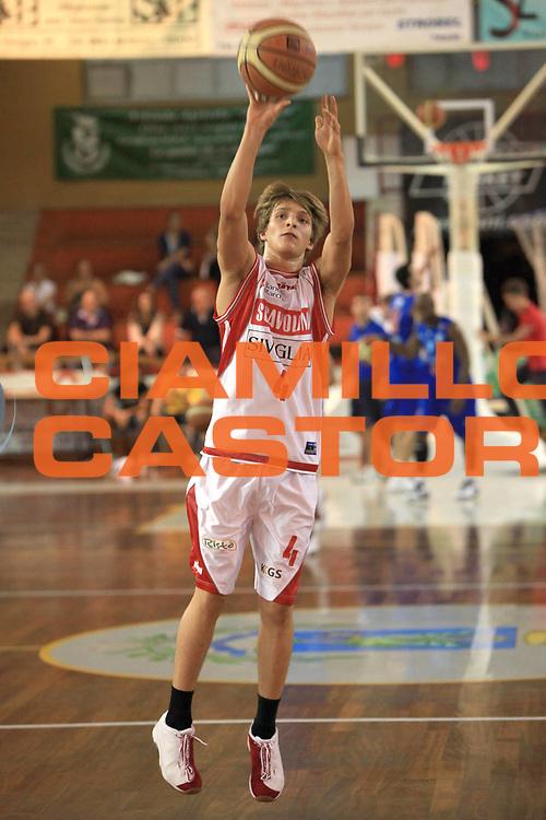 DESCRIZIONE : Trani Memorial Antonio Cezza A 2010-11 Scavolini Siviglia Pesaro Enel Brindisi<br /> GIOCATORE : Traini Andrea<br /> SQUADRA : Scavolini Siviglia Pesaro<br /> EVENTO : Campionato Lega A 2010-2011 <br /> GARA : Scavolini Siviglia Pesaro Enel Brindisi<br /> DATA : 19/09/2010<br /> CATEGORIA :  tiro<br /> SPORT : Pallacanestro <br /> AUTORE : Agenzia Ciamillo-Castoria/C.De Massis<br /> Galleria : Lega Basket A 2010-2011 <br /> Fotonotizia : Trani Memorial Antonio Cezza A 2010-11 Scavolini Siviglia Pesaro Enel Brindisi<br /> Predefinita :