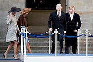 28-11-2016 AMSTERDAM - Welkomsceremonie op de dam Koning Filip and koningin mathilde en koning Maxima en koning willem Alexander tijdens dag 1 van het Staatsbezoek aan Nederland .Staatsbezoek aan Nederland van Koning Filip der Belgen vergezeld door Koningin Mathilde. Koning Willem Alexander en koningin Maxima. COPYRIGHT ROBIN UTRECHT<br /> <br /> 28-11-2016 AMSTERDAM - Welcome Ceremony at the dam King Philippe and Queen Mathilde and King Maxima and King William Alexander during day 1 of the State Visit to Netherlands .Staatsbezoek to Netherlands King of the Belgians Filip accompanied by Queen Mathilde. King Willem Alexander and Queen Maxima. COPYRIGHT ROBIN UTRECHT