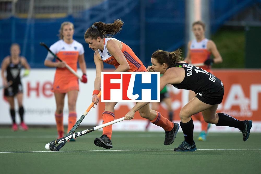 AUCKLAND - Sentinel Hockey World League final women<br /> Match id 10292<br /> 02 NED v NZL (Pool A)<br /> Foto:  Lidewij Welten and Ella Gunson (R).<br /> WORLDSPORTPICS COPYRIGHT FRANK UIJLENBROEK