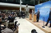 """24 APR 2002, BERLIN/GERMANY:<br /> Franz Muentefering (L), SPD, Bundesgeschaeftsfuehrer, und Gerhard Schroeder, SPD, Bundeskanzler und Parteivorsitzender, waehrend einer Pressekonferenz zur Vorstellung des SPD Wahlprogramms zur Bundestagswahl 2002 unter dem Motte """"Die Politik der Mitte"""", Willi-Brandt-Haus<br /> IMAGE: 20020424-02-007<br /> KEYWORDS: Franz Müntefering, Gerhard Schröder, Wahlprogramm, Kamera, Camera, Fotograf, photograper, Journalist, Journalisten"""