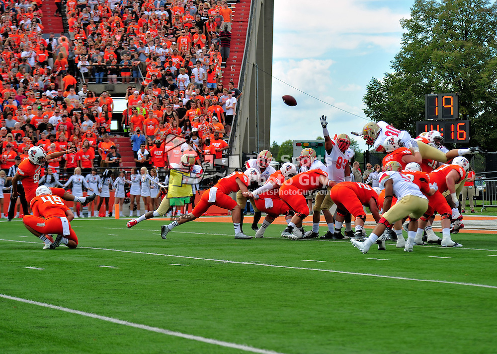 NCAA Football: Bowling Green rolls past VMI, 48-7