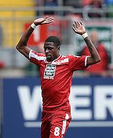 Fussball  2. Bundesliga  Saison 2013/2014  9. Spieltag 1. FC Kaiserslautern - TSV 1860 Muenchen          29.09.2013 Mohamadou Idrissou (1. FC Kaiserslautern) emotional