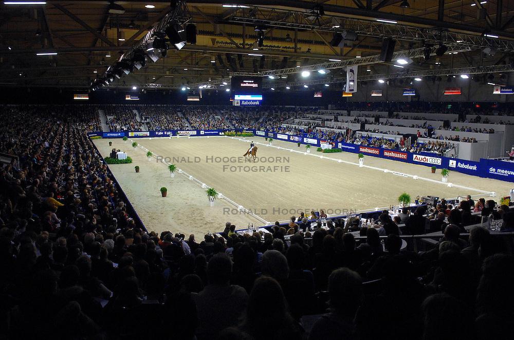 24-03-2007 PAARDENSPORT: INDOOR BRABANT FEI WORLDCUP DRESSUUR: DEN BOSCH<br /> Brabanthallen uitverkocht stadion arena <br /> &copy;2007-WWW.FOTOHOOGENDOORN.NL