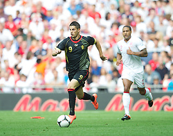 LONDON, ENGLAND - Saturday, June 2, 2012: Belgium's Daniel Welbeck in action against England during the International Friendly match at Wembley. (Pic by David Rawcliffe/Propaganda)