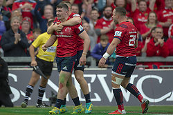 October 20, 2018 - Limerick, Ireland - Sammy Arnold of Munster celebrates scoring with teammates during the Heineken Champions Cup match between Munster Rugby and Gloucester Rugby at Thomond Park in Limerick, Ireland on October 20, 2018  (Credit Image: © Andrew Surma/NurPhoto via ZUMA Press)