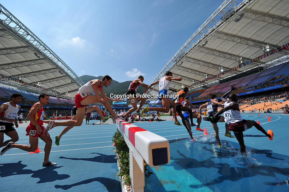 The ambiance shot,AUGUST 29, 2011 - Athletics :The 13th IAAF World Championships in Athletics - Daegu 2011, Men's 3000m Steeplechase Round 1 at the Daegu Stadium, Daegu, South Korea. (Photo by Jun Tsukida/AFLO SPORT) [0003]