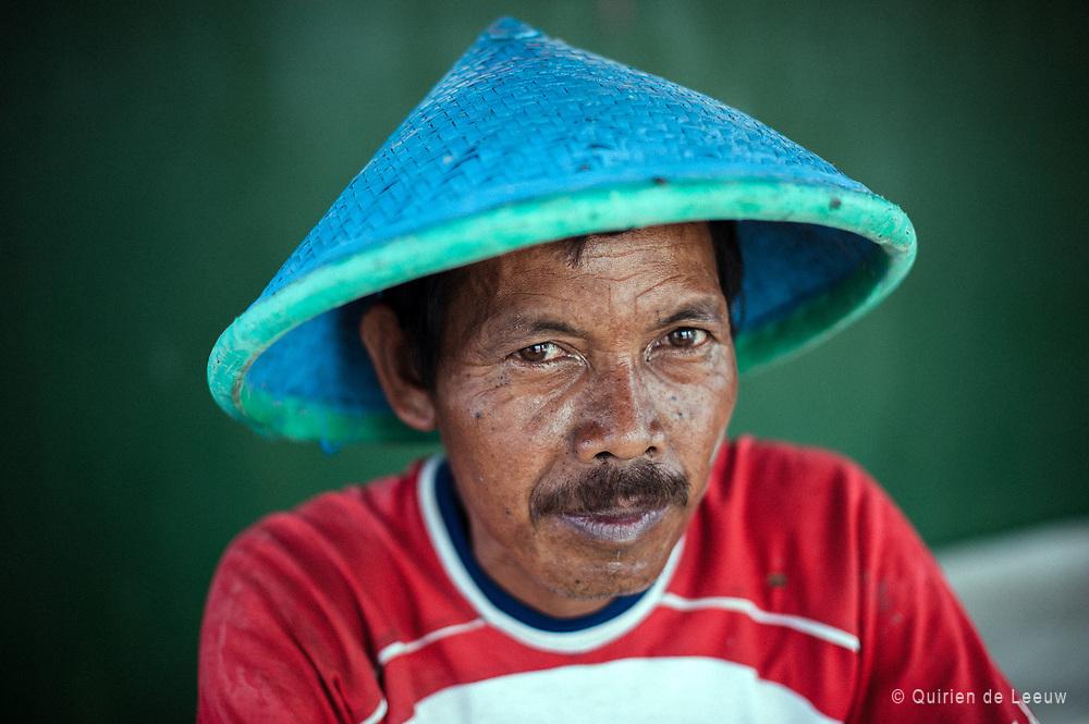Een portret van een visser op Thousand Islands, een eilandengroep in de Javazee