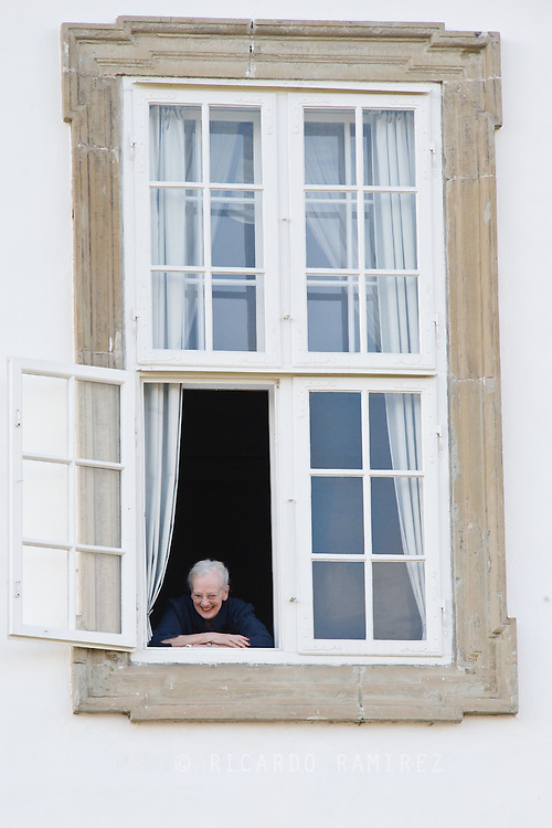 16.04.2015. Fredensborg, Denmark.Queen Margarethe II of Denmark waves from the window of Fredensborg Palace during the traditional morning greeting, on her 75th Birthday.Photo:© Ricardo Ramirez