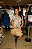 EDBIMAGEARCHIVE-EBDB-AMY WINEHOUSE TESCO CROYDON-26-11-07