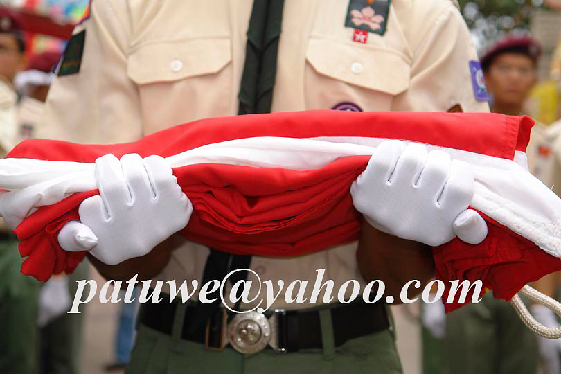 Boy scout wear white hand gloves at ceremony, Hong Kong