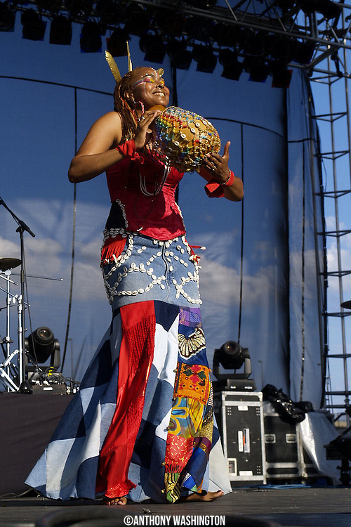 Navasha Daya of Fertile Ground performs at the African American Heritage Festival in Baltimore, MD on Sunday, June 30, 2008.