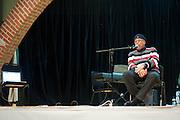 Danilo Perez entrevista a Chucho Valdes en la Ciudad del Saber. Evento del Festival de Jazz de Panama 2012. Panama City.©Victoria Murillo/Istmophoto.com