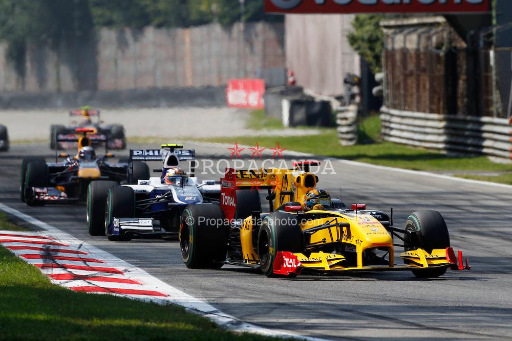 Motorsports / Formula 1: World Championship 2010, GP of Italy, 11 Robert Kubica (POL, Renault F1 Team),