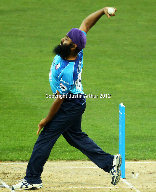 Aces' Bhupinder Singh bowling during the 2012/2013 HRV Cup Twenty20 session. Wellington Firebirds v Auckland Aces at Westpac Stadium, Wellington, New Zealand on Friday 16 November 2012. Photo: Justin Arthur / photosport.co.nz