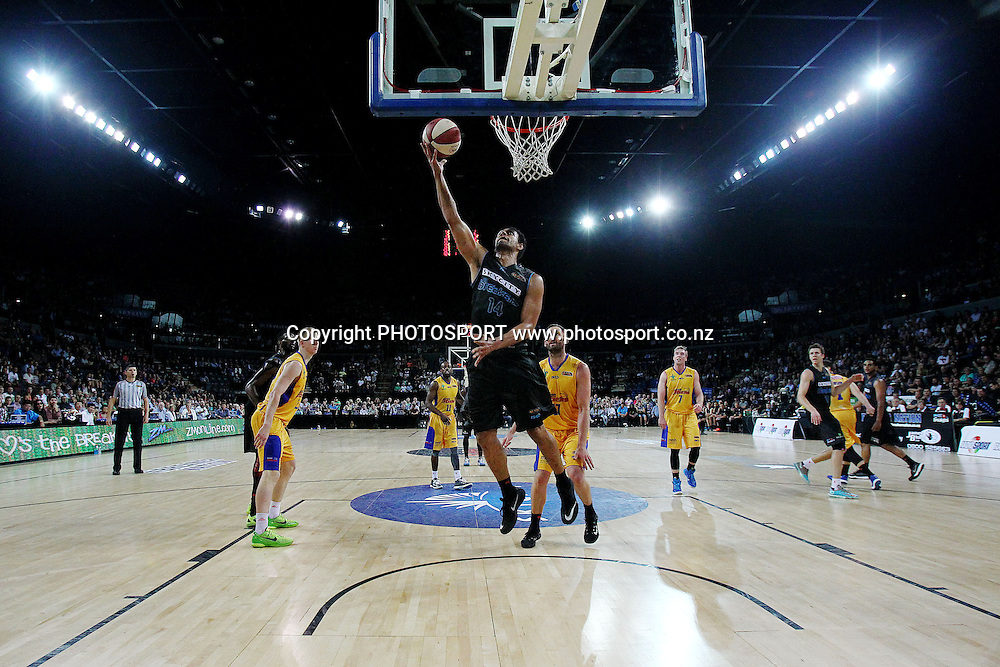 Mika Vukona of the Breakers scores a layup. 2014/15 ANBL, SkyCity Breakers vs Adelaide 36ers, Vector Arena, Auckland, New Zealand. Thursday 12 February 2015. Photo: Anthony Au-Yeung / www.photosport.co.nz